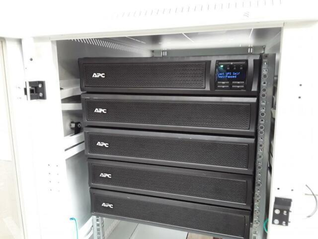 Apc Smart-ups X3000 Series Ups With External Battery Pack System